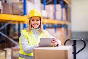 Pracę można dostać od ręki. Zakupy on-line rozgrzały rynek