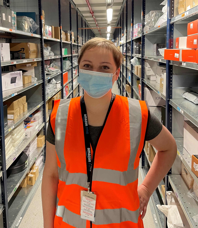 Emilia Janicka jako planistka utrzymania ruchu RME (Reliability, Maintanance, Engineering) w Amazon Polska