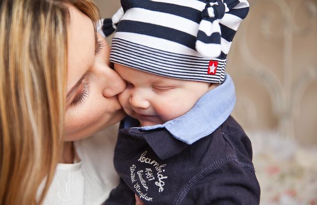Badania CBOS wskazują, że decyzje o rodzicielstwie są przede wszystkim blokowane poprzez wysokie koszty macierzyństwa (Fot. Pixabay)