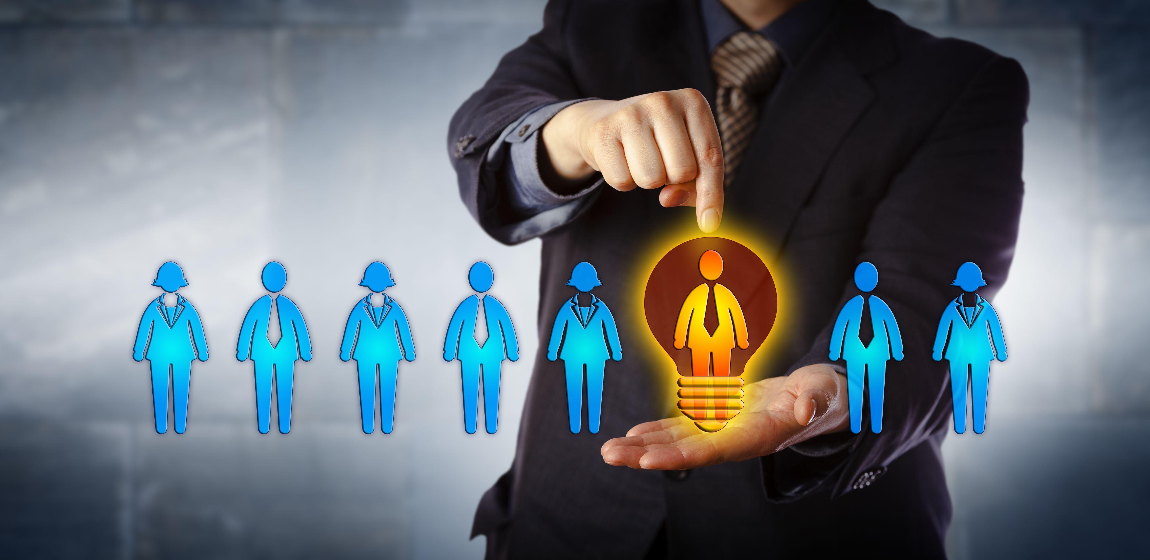 Chcąc zwiększyć zaangażowanie pracowników, firmy wdrażają rozwiązania w zakresie coachingu kariery (Fot. Shutterstock)