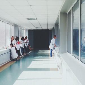 Przychodnie leczące na miejscu dostaną premię. Teleporady niemile widziane