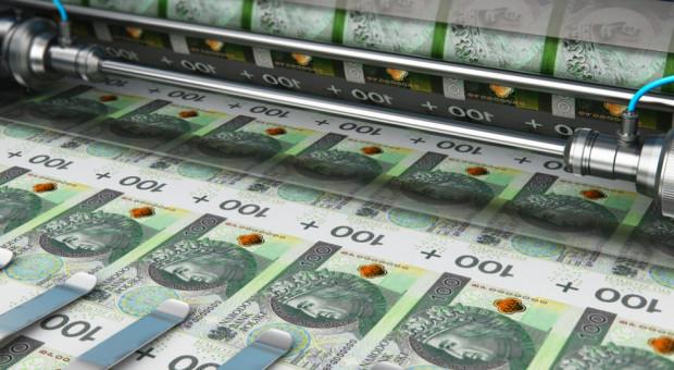 Pensje w Polsce wciąż rosną. Oto najnowsze dane