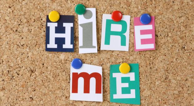 Ofert pracy więcej, ale niełatwo o etat