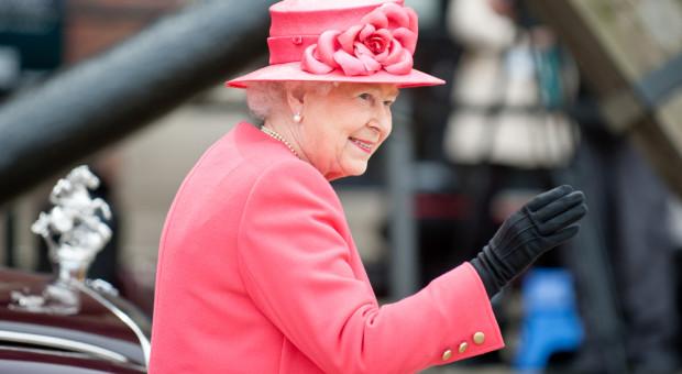 Królowa Elżbieta II doceniła ich pracę. Otrzymali najwyższe odznaczenie