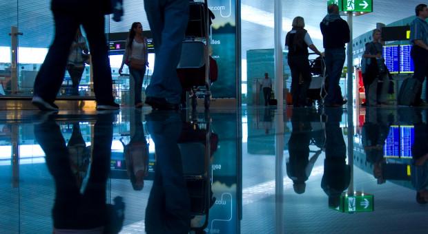 Pracownicy lotnisk strajkują. Odwołano ponad 140 lotów