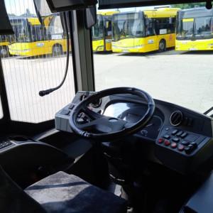 Autobusu bez kierowców. Tam problem jest poważny