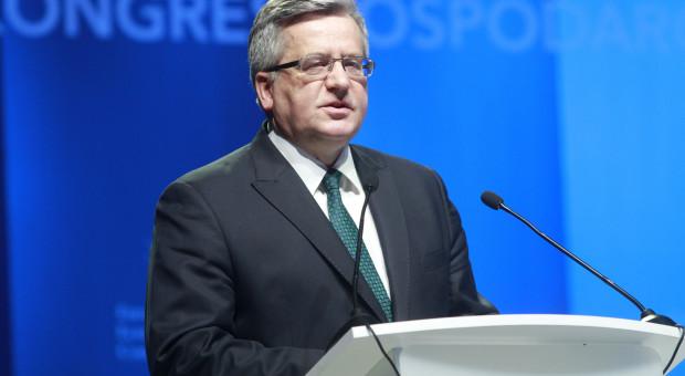 Bronisław Komorowski: politycy w Polsce zarabiają mało
