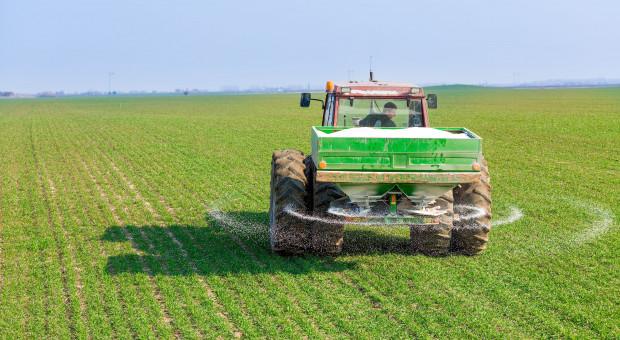 Rolnicy mają dość i znowu blokują drogi