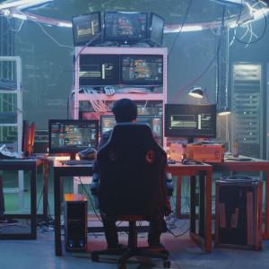 Pracownicy od bezpieczeństwa IT są potrzebni jak nigdy. Brakuje jednak pieniędzy