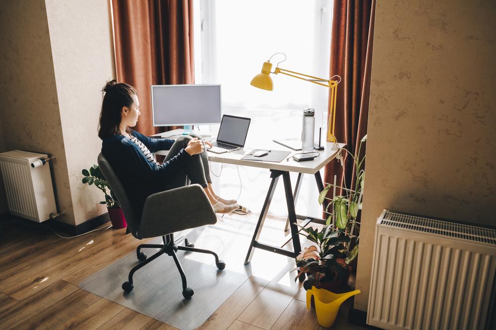 Aż 89 proc. respondentów uważa, że praca zdalna w najbliższej przyszłości będzie zyskiwać na znaczeniu (Fot. Shutterstock)