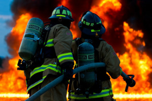 Pożar hali magazynowej w Tychach, ewakuowano personel