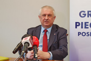 Wiceminister pracy Grzegorz Piechowiak podał się do dymisji
