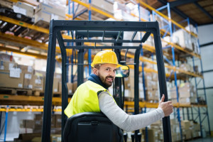 Duża sieć sklepów szuka operatorów wózków widłowych