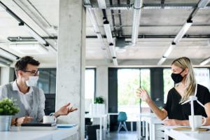 Podziały, dyskryminacja? Nowe przepisy mogą sporo namieszać w firmach
