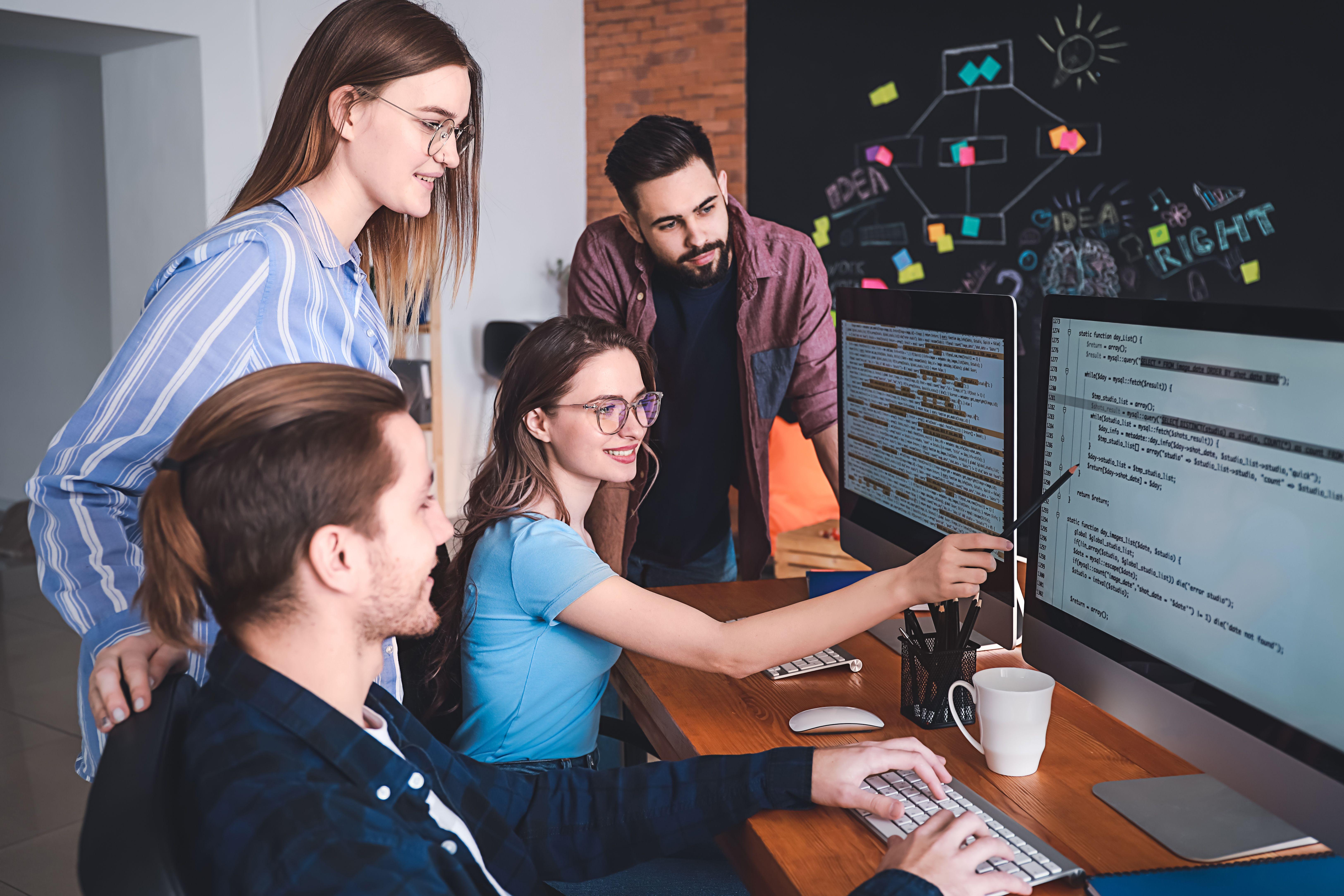 Pomimo niepewnej sytuacji na rynku pracy wzrosły oczekiwania finansowe młodych osób (Fot. Shutterstock)