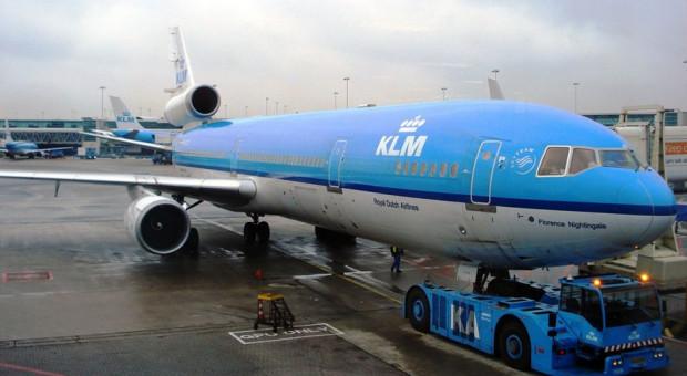 Piloci KLM będą sami ładować bagaże pasażerów do samolotów