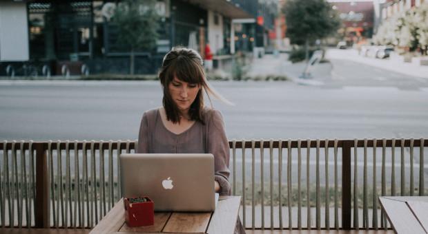 Praca zdalna zmieni funkcjonowanie i życie w mieście