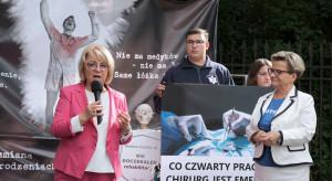 Protestujący lekarze wciąż żądają spotkania z premierem