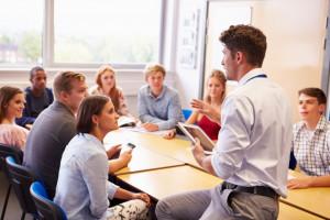 Liczba nauczycielskich wakatów powinna niepokoić?