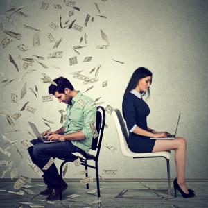 Luka płacowa istnieje, bo kobiety na nią pozwalają