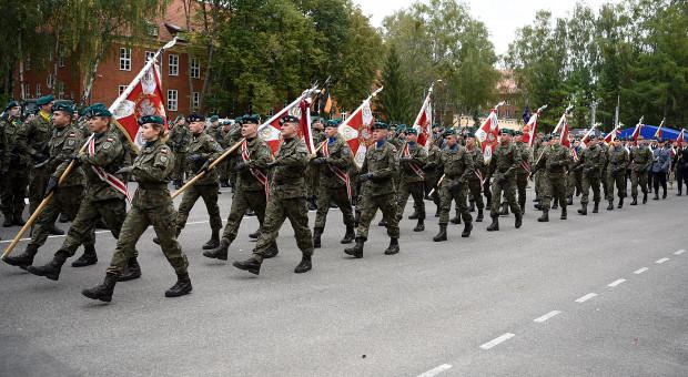 Setki tysięcy Polaków mogą dostać powołanie do wojska