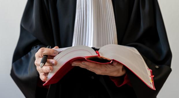 Zdawalność egzaminów na aplikacje prawnicze w granicach 60 proc.