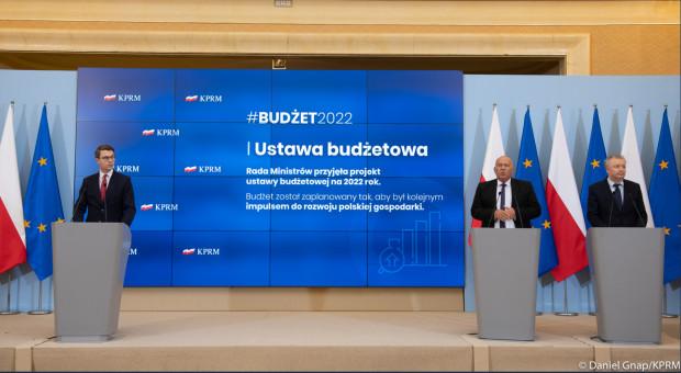 """Rząd przyjął projekt budżetu na 2022 rok. """"Polska gospodarka jest w dobrym stanie"""""""
