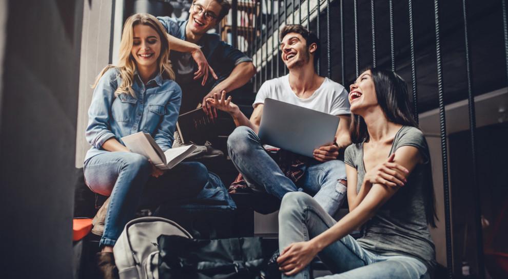 Negatywne konsekwencje izolacji z powodu home office odczuwają głównie młodzi ludzie (Fot. Shutterstock)
