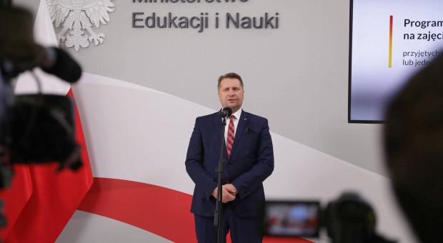 """Minister ma dość """"przykrej konieczności"""", apeluje o zmianę"""