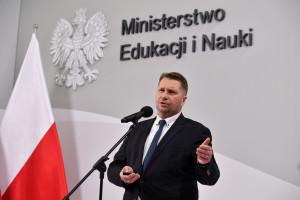 Minister edukacji jest zadowolony ze swoich dokonań
