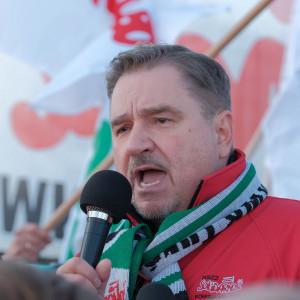 """Szef """"Solidarności"""" przed siedzibą TSUE: dajemy wam czas do namysłu, inaczej podpalimy Europę"""