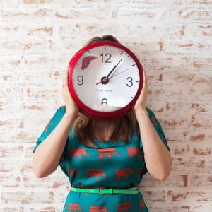 Jedni pośpią godzinę dłużej, drudzy godzinę dłużej popracują